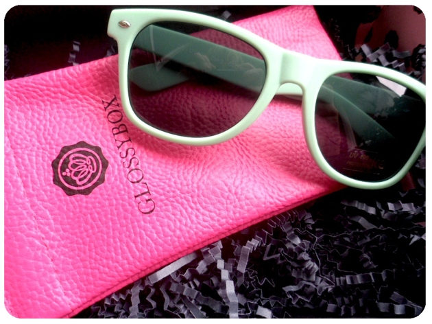 goodie lunettes Glossybox Juillet 2014
